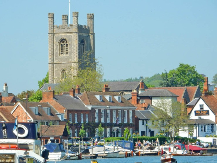 Henley-On-Thames-River-Thames-To-Town-Hdr